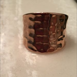 Women's gold tone ring
